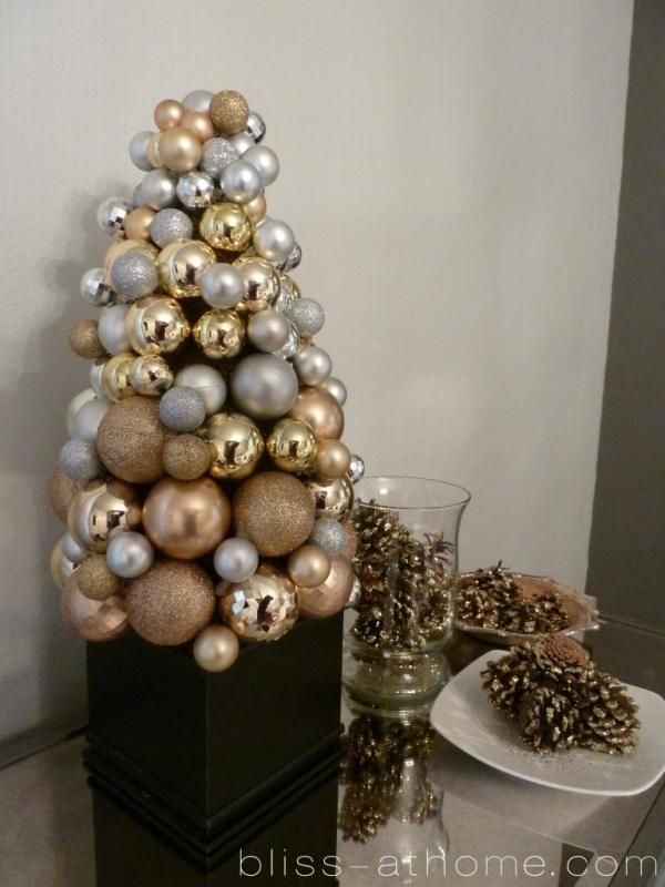 317 Best Christmas In Silver / Gold Images On Pinterest | Christmas Ideas, Christmas  Decorations And Christmas Table Settings