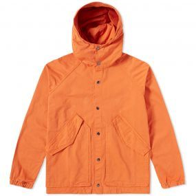 Founded in 2006, the Albam brand is characterised by its timeless and utilitarian design ethos. This season, this British brand works with the finest craftsmen and factories to produce a collection of modern apparel essentials. This pure cotton Garment Dyed Hooded Parka is reminiscent of a vintage military piece and boasts a hardwearing and voluminous construction throughout. This transitional and utilitarian piece has been made in Portugal and is detailed with an adjustable hood and waist…