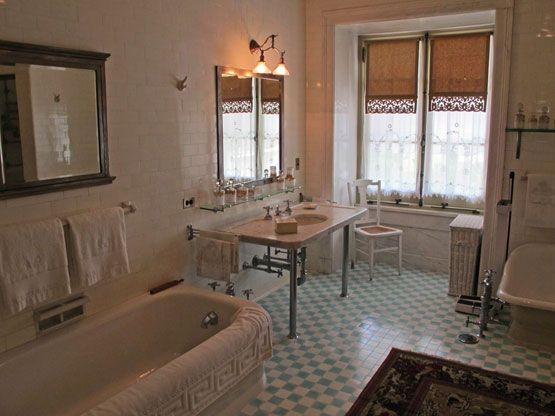 placement of bathroom accessories dupont mansion wilmington de