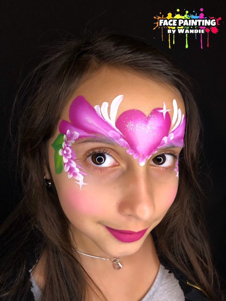 Heart crown  face painting