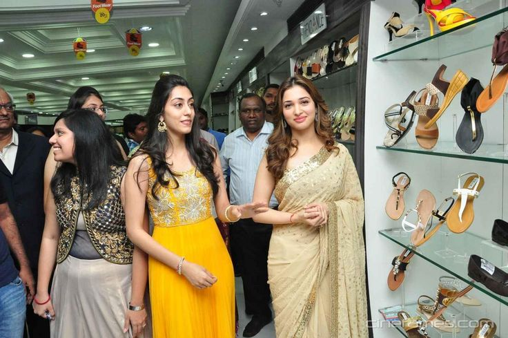 cool Tamanna Launching Big Shopping Mall Stills