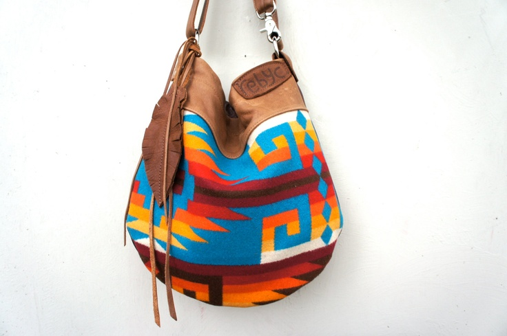Need the perfect bag that can work for any season? This navajo inspired Pendleton bag is perfect from summer to fall.