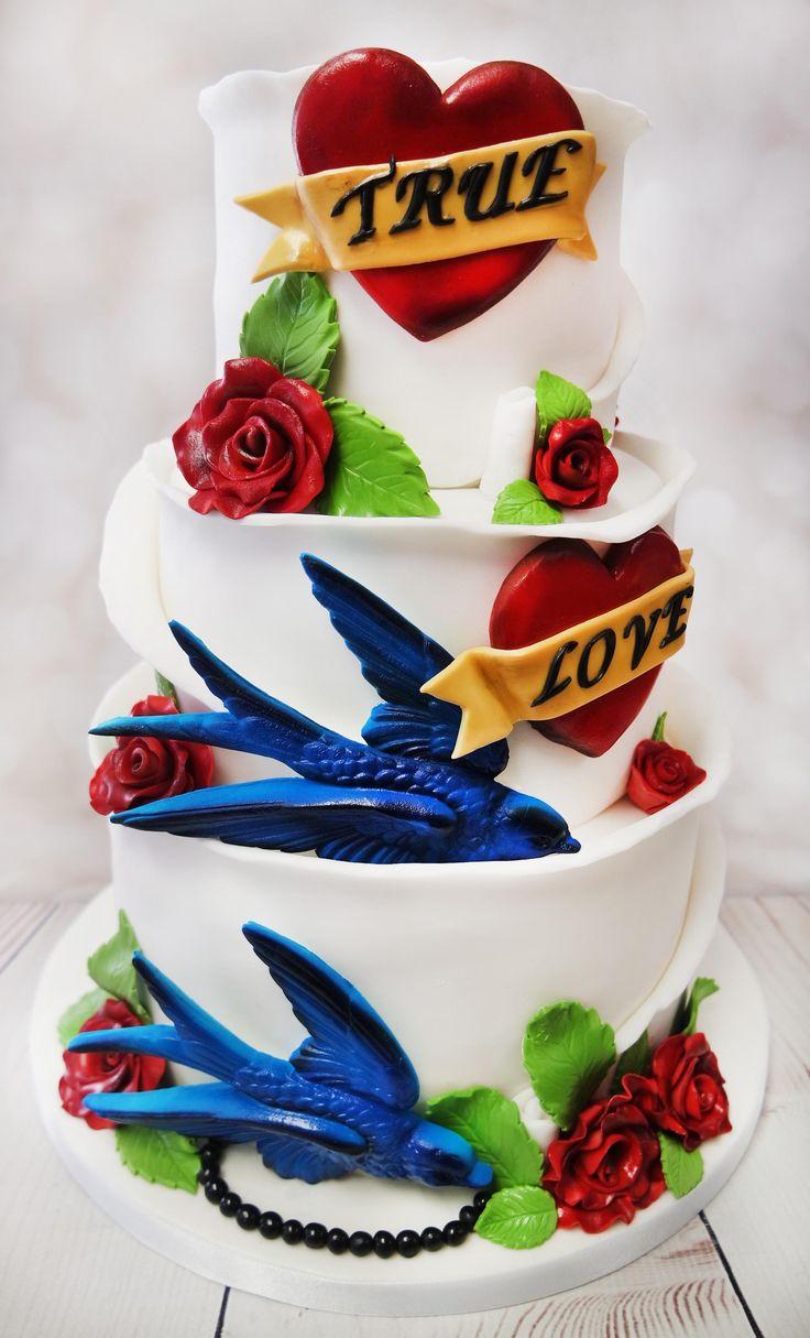 Beautiful vegan wedding cake with that rockabilly theme <3 #rocabillyweddingcake #veagnweddingcake   https://www.craftycakes.com/