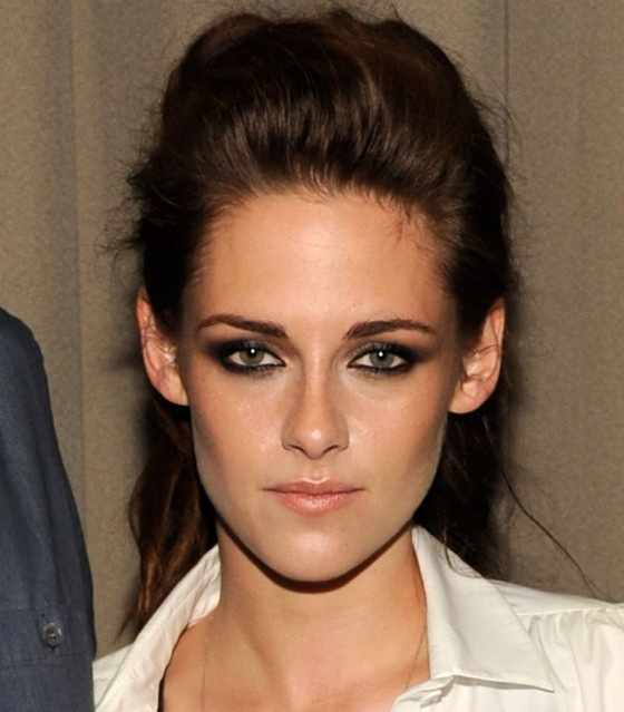 Kristen Stewart smokey eye makeup