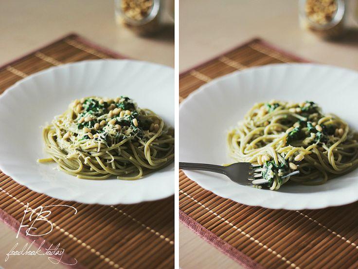 спагетти-со-сливочно-шпинатным-соусом