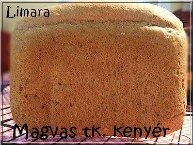 Kenyérsütőgépben a fehér kenyerek mellett nagyon jó teljes kiőrlésű kenyerek is süthetőek. Magokkal vagy anélkül, rozs vagy tönkölylisztből...