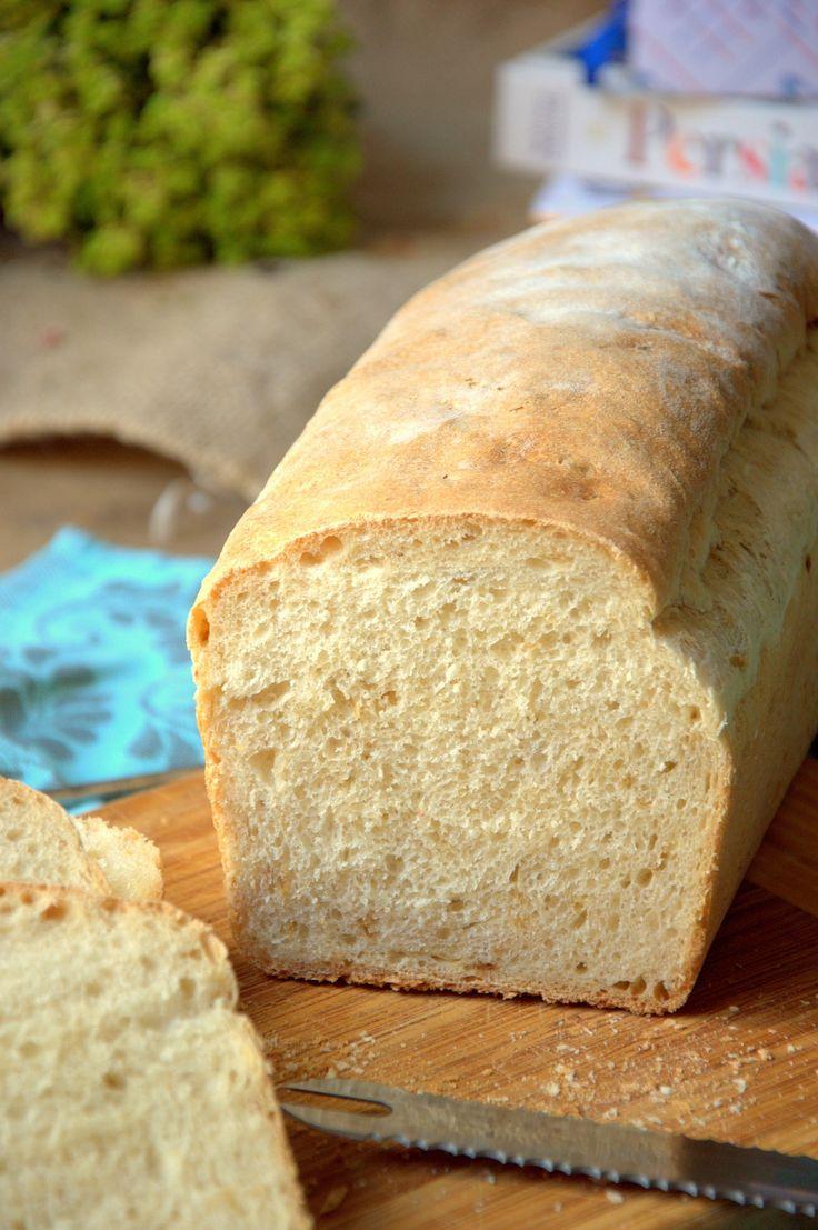 Hacer pan en casa no es difícil, solo necesitamos agua, harina, levadura y manos para amasar. Hoy pan de cebolla frita, un toque espectacular.
