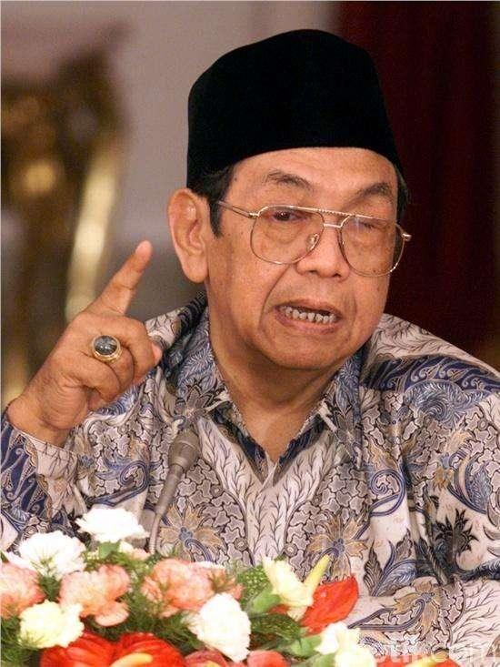 Gelar Pahlawan untuk Gus Dur, Rizal Ramli: Dia Wali ke-10 di Indonesia