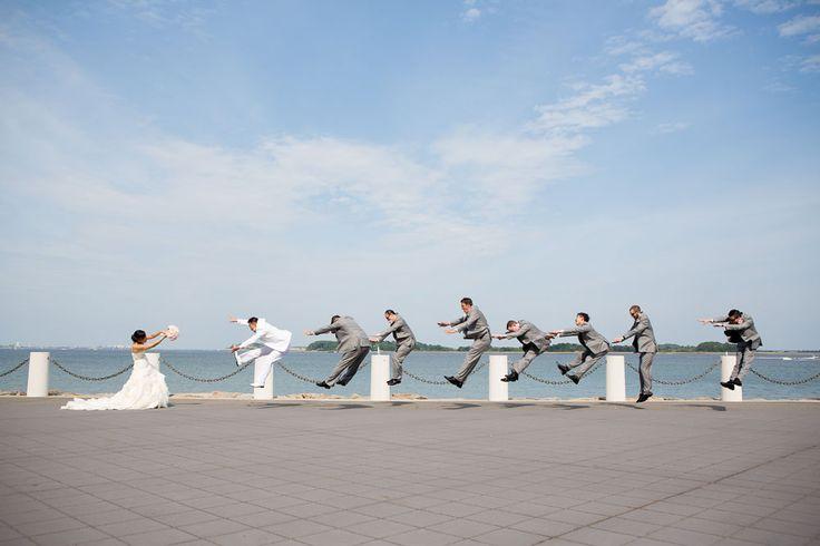 5 Funny Groomsmen Photo Ideas   Southern New England Weddings   Four Eyes Photography
