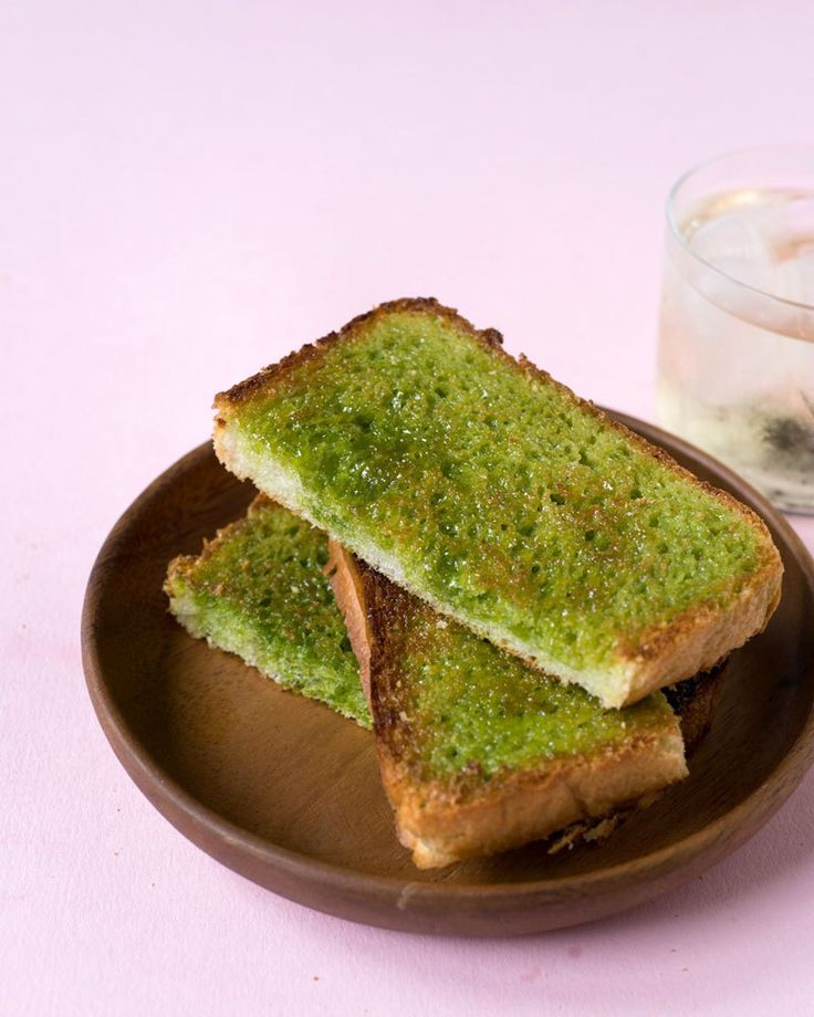 Matcha (Green Tea) Sugar Toast 2 slices of bread (I used thick sliced Milk Bread from Paris Baguette.) 2 tablespoons softened salted butter 1 tablespoon superfine sugar 1/4 teaspoon matcha