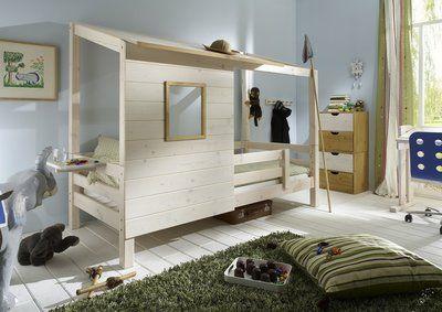 Nieuw de stoere boomhut bed grenen 90x200 gemaakt van vurenhout in beits wit. Met enkee dunne loog accenten zoals het raam. Het super stoere bed heeft een boomhut opbouw en uitval beveiliging stand...