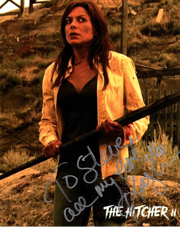 Kari Wuhrer (The Hitcher II: I've Been Waiting '03)(Signed At Chiller Theatre 4-26-14)