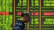 El desplome de las bolsas chinas arrastra al mercado mundial  El Comercio Peru. Aug 25, 2015.