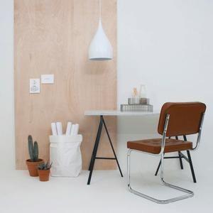 53% korting! Op zoek naar een hippe stoel die je eetkamer volledig af maakt? Dan zijn de Vintage Modjo stoelen echt iets voor jou! Ze combineren een vintage look met een moderne afwerking en passen zo in ieder interieur. Ze zijn hip & betaalbaar! #onlinedeals #deal #chairs #vintage #scandinavian #design #home #interior #furniture