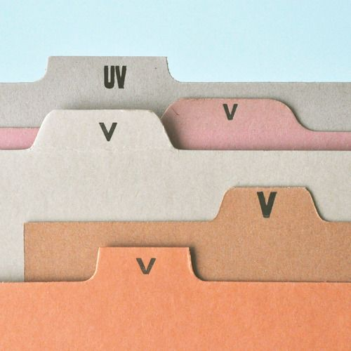 paperandtype:  v's are my weakness, what can i say? here's yet another first-rate find from the wondrouspresent & correct.