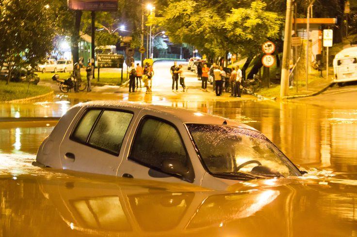 São Paulo: #Chuvas causam alagamentos, deslizamentos e mortes na Grande São Paulo