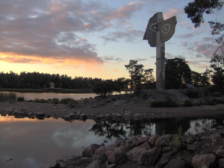 Google Image Result for http://www.choralnet.org/cat/picasso_statue_in_kristinehamn_landscape.jpg