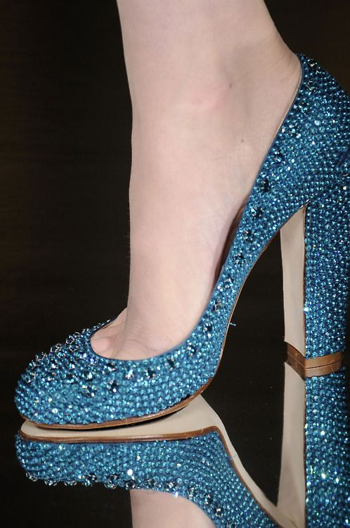 Sparkle and bling and bleu shoes.