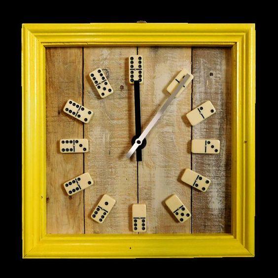21 best images about orologi da parete in legno riciclato for Parete attrezzata fai da te