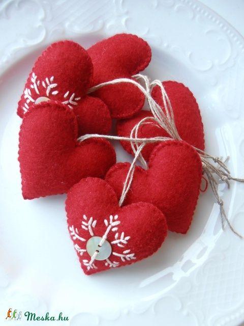 Akció...Szívek,Karácsonyi dekoráció...6 darab (mesemano) - Meska.hu