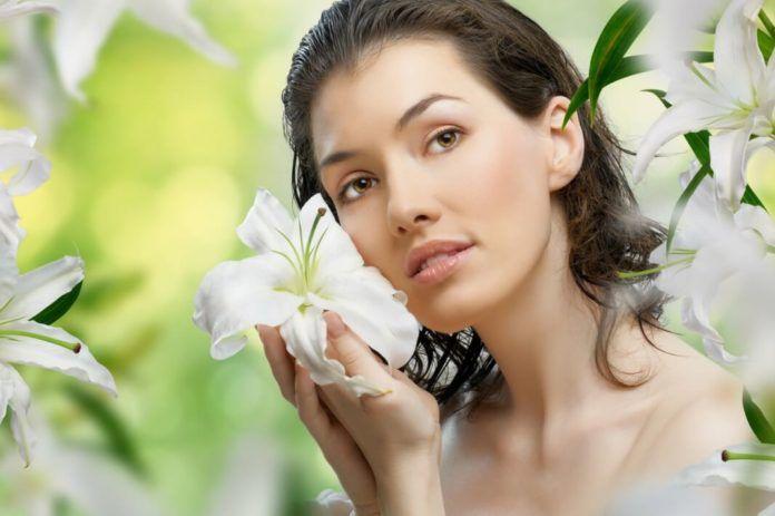 Как устранить дряблость кожи и подтянуть кожу на декольте