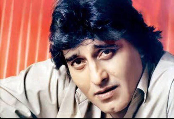 Veteran actor Vinod Khanna passed away, he was suffering from cancer. New Delhi: Actor Vinod Khanna passed away on Thursday. He was 70 years old.