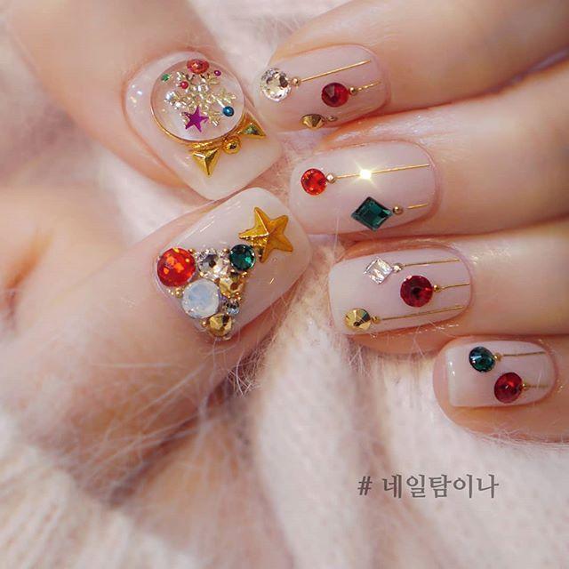 Christmas Korean Nail Idea 네일아트 Akiwarinda 반짝이는 네일 보석 손톱 메탈릭 네일