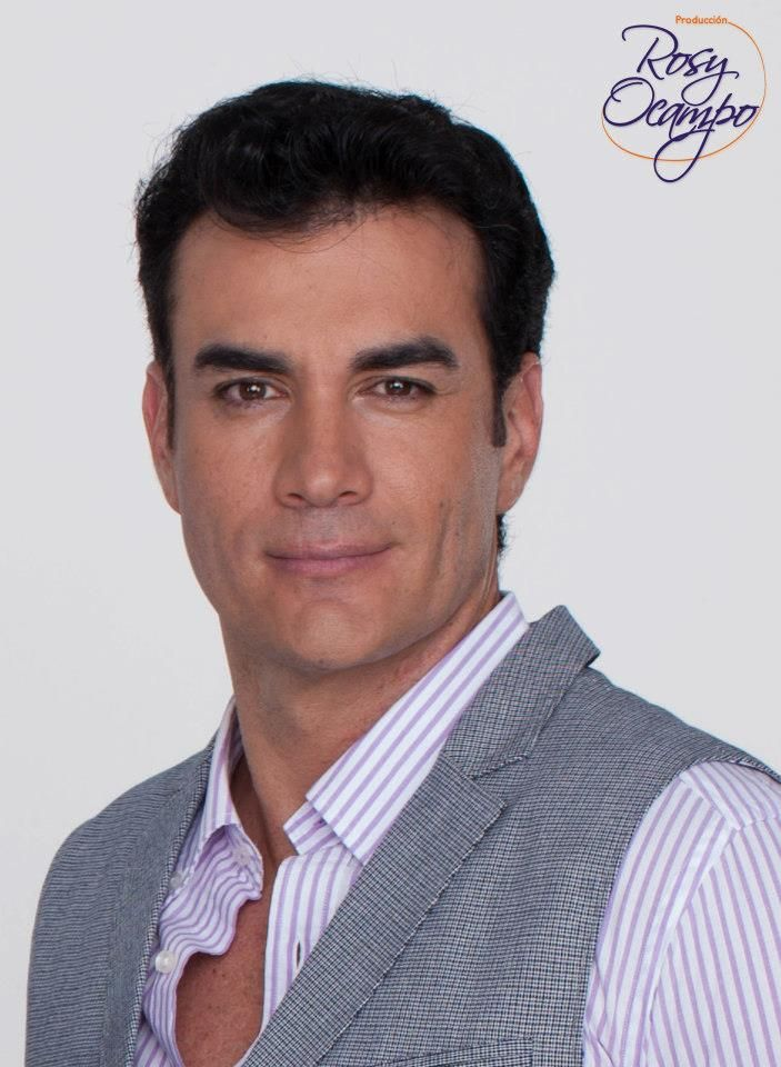 • Photos of Latino Stars •: David Zepeda