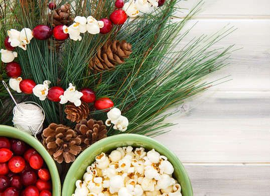 14 Vintage X-Mas Ideas to Borrow from the Past -  Festive feather trees, classic cocktails, decorative popcorn garlands…  revelers of yesteryear really knew how to embrace the holiday season. Borrow these 14 vintage ideas from Christmases gone by to bring some old-school charm to your celebrations this year.