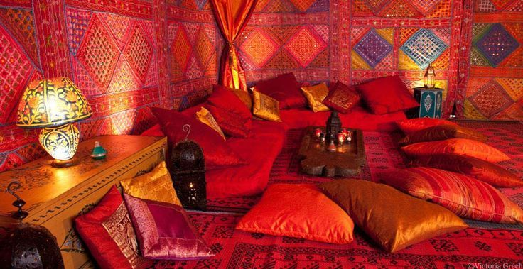 31 best images about arabian room ideas on pinterest for Arabian night bedroom ideas