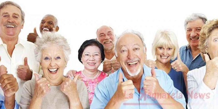 Capelli bianchi... indicano problemi al cuore Al primo capello bianco le donne cercano rimedi per mascherare lavanzare del tempo preoccupandosi capelli bianchi patologie cuore