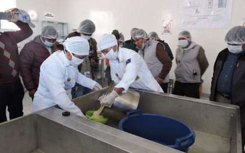 Bolivia Informa: Pro Bolivia inaugura primera planta de leche de quinua en Uyuni