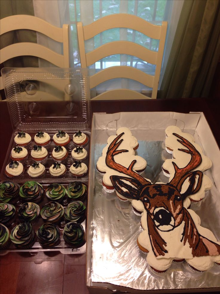 Deer head pull apart cupcake cake with camouflage camo cupcakes