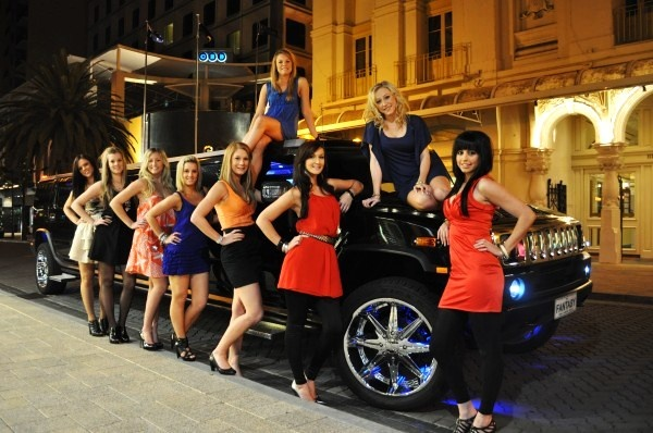 Limo Hire Melbourne – Limohiremelbourne.biz is a professional limousine hire company in Melbourne. We offer exclusive limousine hire Melbourne packages for all occasions like wedding, birthday party, corporate event, civil ceremony, anniversary and airport transfers.