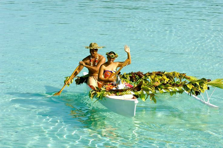 Kayaking to breakfast on the lagoon at Le Taha'a #tahiti