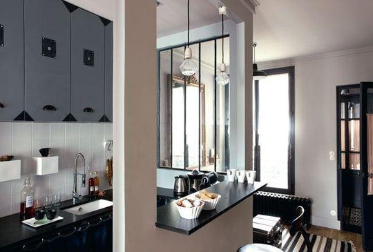 Une cuisine ouverte - Métamorphose d'un studio de 25m2 mal agencé - CôtéMaison.fr#diaporama#diaporama