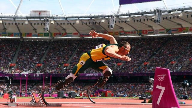 Oscar Pistorius es el primer corredor con doble amputacion en Juegos Olímpicos