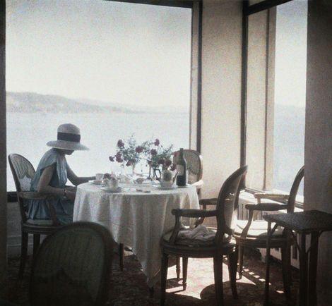 Jacques Henri Lartigue, Bibi au Restaurant d'Eden Roc Cap d'Antibes, 1920  on ArtStack #jacques-henri-lartigue #art