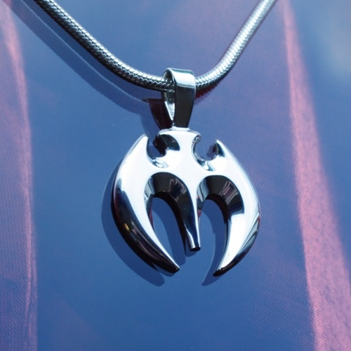 Bat silver pendant, made by Ailin Roelvaag.