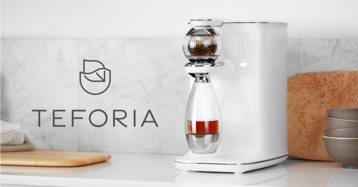 Připravit špičkový čaj takřka bez práce, jen pomocí mobilní aplikace, si předsevzal přístroj Teforia, který půjde na trh na jaře. Jeho výhody jsou přesvědčivé, cenovka nad 30.000 Kč ale většinu zájemců odradí.