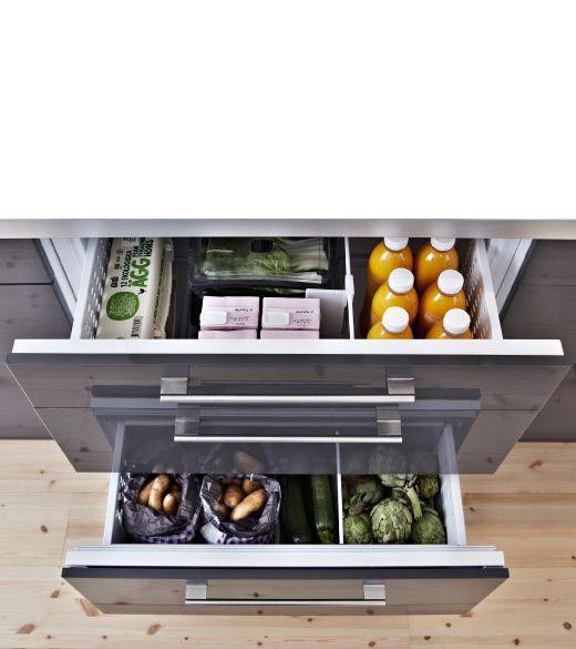 FROSTIG réfrigérateur à 2 tiroirs vu d'en haut, tiroirs ouverts