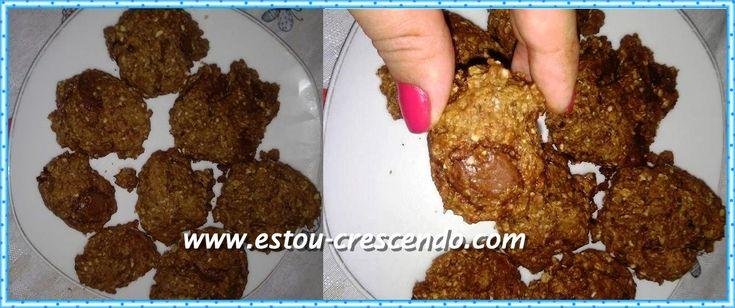 Receita dos biscoitos de chocolate com aveia preparado pela Aline Barros   Ontem estava em casa deitada assistindo o programa da Eliana, ...