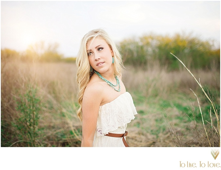 senior graduate indie earthy style taken by To Love. To Love. Photography Maddie Marlow singer/song writer   Maddie and Tae