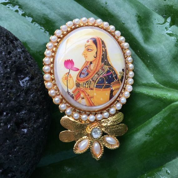 Glamorous Indian Mughal Miniature Cameo brooch Brooch set with