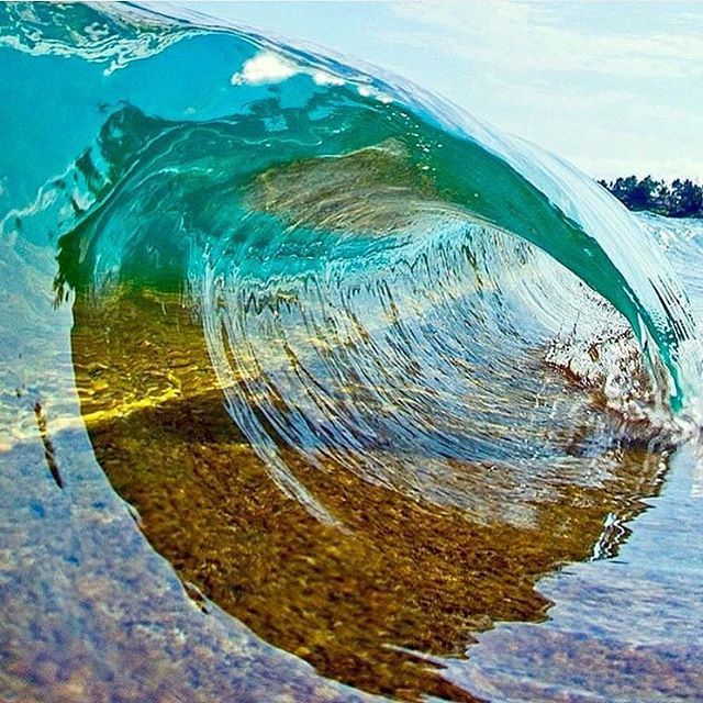 Watching this wave is so satisfying  Photo by @clarklittle