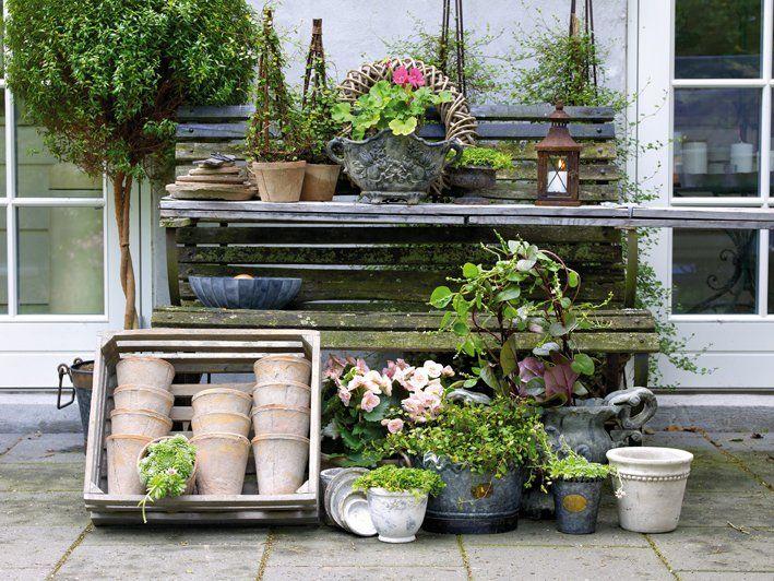 rangement jardin à partir d'un banc
