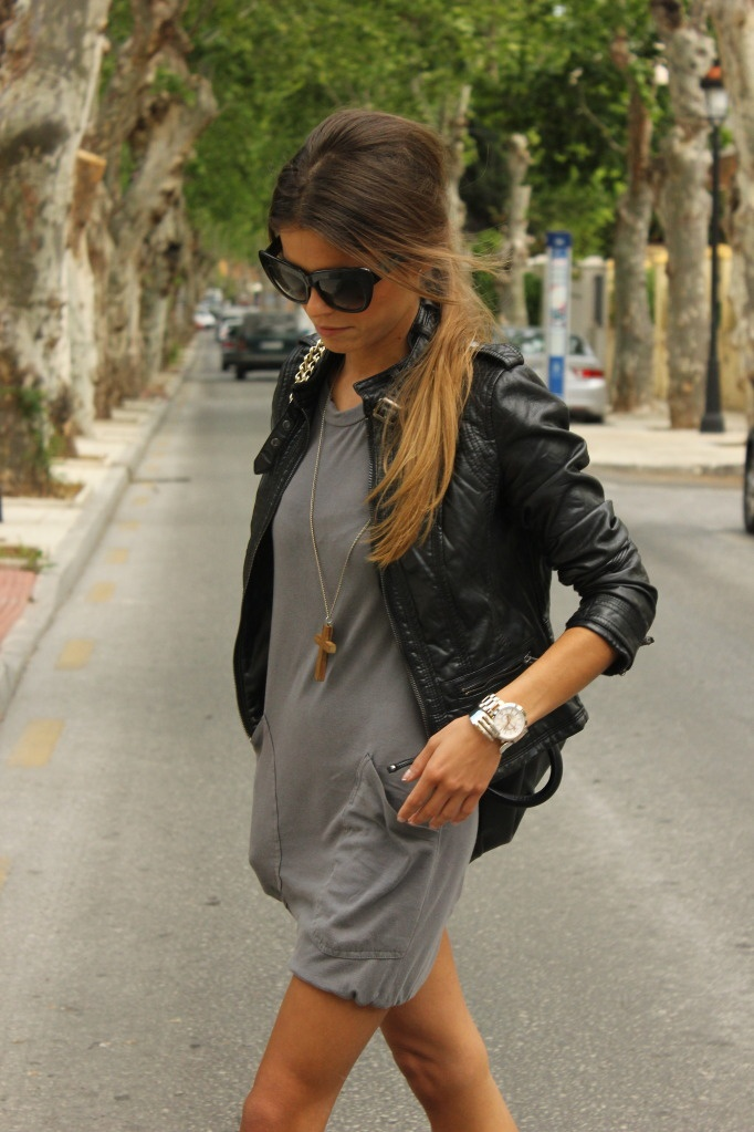 love this whole outfit: Dresses And Leather Jackets, Black Leather Jackets, Biker Jackets, Chic Dresses, The Dresses, Dresses Pocket, Jersey Dresses, Fashion Styl, Grey Dresses