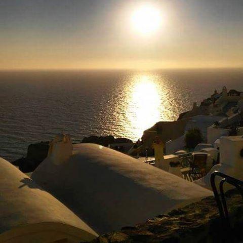 Enjoy priceless moments.. #Santorini #Sunset  Photo credits: @ohmyayla