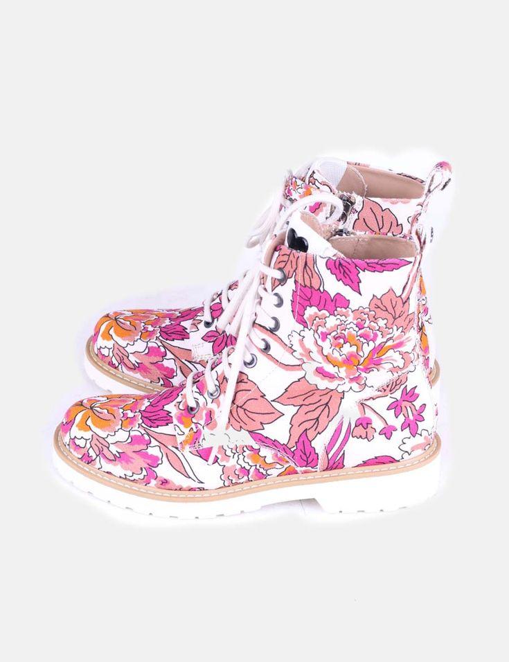 """🔥Increíbles botas NUEVAS estilo militar de la marca Twin-Set con -77% DTO. 🔥 ¡Un """"must have"""" si quieres dar un toque colorido a tu look, con el que presumirás de originalidad y elegancia! 😍😍 #moda #micolet #modabarata #modafemenina #calzado #botas #musthave #twinset #trendy #instastyle"""