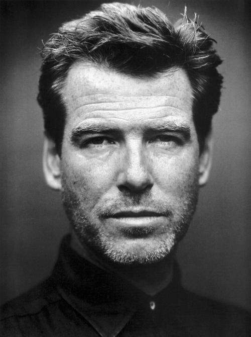 Pierce Brosnan : de ces hommes qui embellissent avec l'âge (et deviennent sexy aussi ^^ )